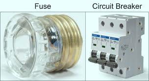 the difference between a fuse and a circuit breaker